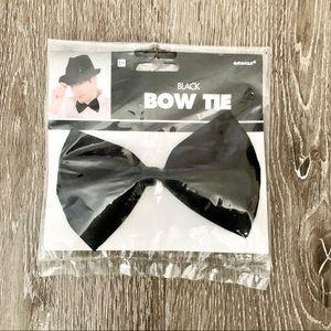 🔴 NWT Costume bow tie